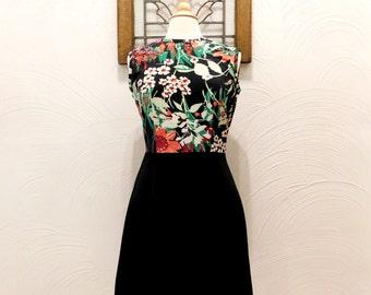 1970s Floral Dress Vintage 70s Black Sleeveless Dress - M / L