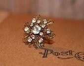 Crystal Clear Rhinestone Snowflake or Flower Vintage Brooch Vintage Pin