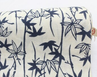Japanese Vintage Indigo Yukata Cotton. Full Fabric Bolt for Traditional Clothing. Hand Dyed Gray Maple Leaf (Ref: 1659)