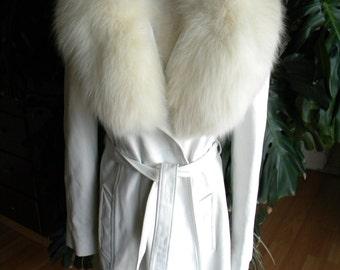 Whistle white retro leather and fox fur coat / jacket