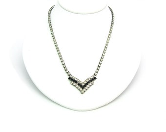 Black V Necklace.  Rhinestone Chevron Necklace. Black & Clear Crystals.  Vintage 1980s Geometric Rhinestone Jewelry.