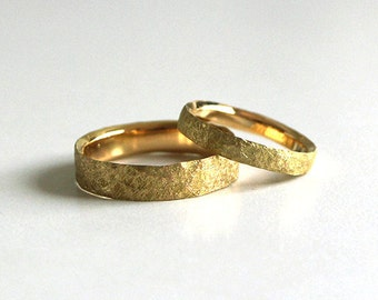 Wedding bands gold Fairmined-Eco-responsible gold 14k or 18k-Textured yellow gold-Fair trade wedding rings-Bespoke-Bridal-Mindfull luxe
