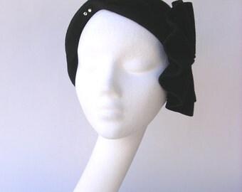 Black velvet  felt cloche hat  vintage style 1920' 1930' 1940'