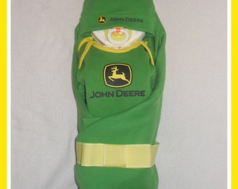JOHN DEERE Baby Neutral Diaper Cake Baby- Adorable Baby Gift