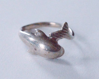 SALE Vintage Sterling Silver Dolphin Realistic Band Size 6.75