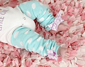 Baby Leg warmers, Girls Leg Warmers, Newborn leg warmers, teal Leg Warmers with bow,  Aqua Polka Dots, Newborn Photo Prop, baby shower gift