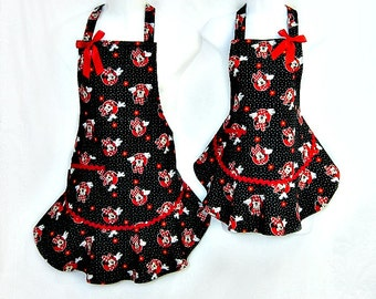 Apron Set, MINNIE MOUSE, Mommy & Me, Ruffled Flounce, Red Black White Polka Dots, Fun Pretty Party Kitchen Gift
