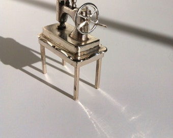 SEWING MACHINE Miniature, 835 Silver, H. Hooykaas, Netherlands, mid 20th Century, Schoonhaven Silversmith