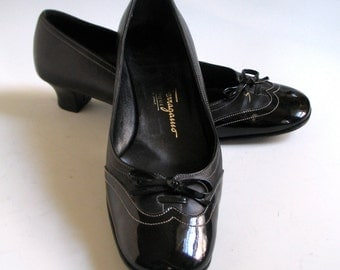 Sale!  Ferragamo Shoes, Size 5,  Black Leather and Patent, Low Heeled Pumps, Made in Italy