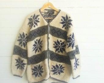 Vintage chunky wool cardigan sweater . Ecuador wool cardigan. Size large