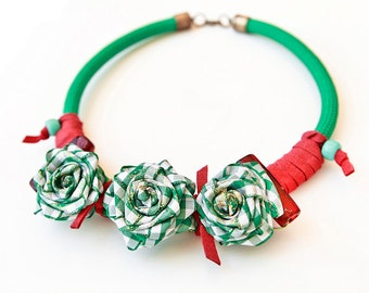 Romantic-Rope necklace,statement necklace,flower necklace,roses necklace,chocker,fashion necklace,romantic necklace,green necklace,chunky