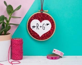 Valentine glitter heart embroidery hoop - Heart with initials - Custom initials embroidery hoop - Love token hoop - Valentine gift