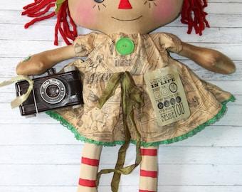 Jumbo Travel and Photographer Annie - Primitive Raggedy Ann Doll (HAFAIR)