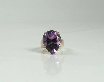 Pear Shaped Amethyst Ring; Right Hand Ring; February Birthstone Ring; Amethyst Ring; Yellow Gold Amethyst Ring; Vintage Amethyst Ring