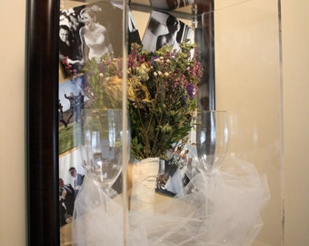 Brown/Black Frame around Bouquet Case