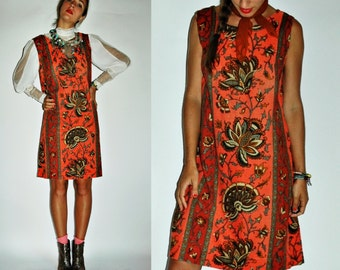 1960s Coral & Rust Sarasa Floral Print Shift Dress