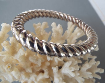 sterling silver hollow twisted  rope hinged bangle bracelet made in Italy 24 grams