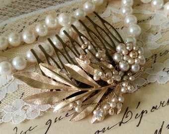 PEARL and LEAF SPRAY Vintage Bridal Hair Comb Assemblage Pearls Rhinestone Wedding Bride Nature Inpired One of a Kind Couture Heirloom