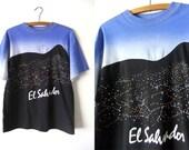 El Salvador Gradient Tee - Color Block Tourist Souvenir Style Constellation Outer Space 90s Vintage T Shirt - Mens Medium