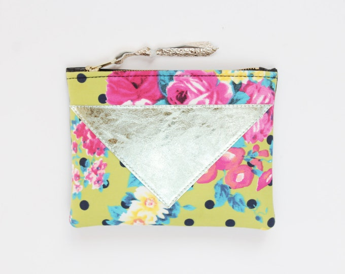 Flower makeup bag. Cotton zipper pouch. Cosmetic pouch. Makeup organizer. Pencil pouch. Travel pouch. Metallic natural leather. /SPLASH 68