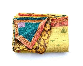 kantha quilt, vintage kantha quilt, indian quilt, kantha throw, coverlet