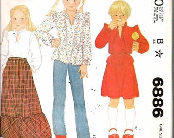 """Vintage 1979 McCall's 6886 Girls' Blouse & Skirt Sewing Pattern Size 7 Breast 26"""" UNCUT"""