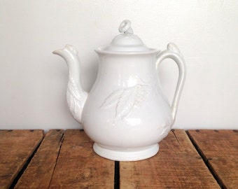 Antique Ironstone Teapot, White Ironstone Teapot in Forget Me Not Shape, White Ironstone Tea Pot, 1800s, Melon Blossom Finial