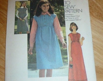 7609 Simplicity Size 7/8 Pattern How To Sew Pattern Young Jun ior/Teens Dress or Jumper in Two Lengths Vintage 1976 Uncut