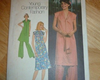 7709 Simplicity Size 10 Pattern Young Contemporary Fashion Misses' Pullover Dress Tunic and Pants Vintage 1976 Uncut