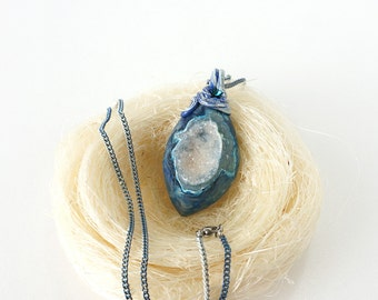 Blue White Crystal Druzy Stone Necklace, Sparkling Geode Pendant, Unique Big Gemstone Jewelry
