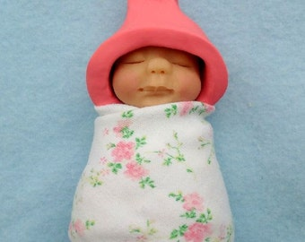 Clay BABY: Sleeping Baby, Pink Elf Hat, Pink Flowers Swaddling Cloth, Original, OOAK Sculpture, Midwife or Doula Gift Idea, New Baby
