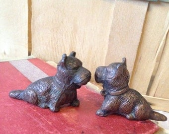2 Cast Iron Scottie Dogs Scottish Terrior pups Paperweights Ornaments Figurine