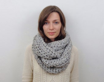 Chunky Knit Infinity Scarf Wool Circle Scarf | THE BRUGES
