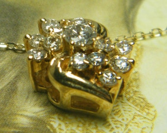 14kt yellow gold beautiful diamond flower pendant
