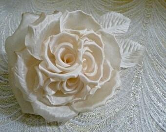 SALE Honey Blush Ivory Silk Rose with Elaborate Center for Hats Weddings Bridal Bouquets Fascinator Floral Arrangements Corsage 3FN0054H