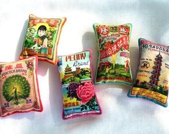 CLEARANCE: Set of 5 Lavender Sachets - Vintage Asian Ephemera Design, Aromatherapy Party Favor, Unique Colorful Small Gift, Lavender Pillow