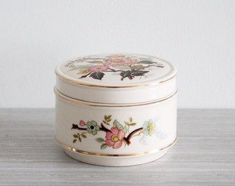Vintage Cream and Asian Floral Porcelain Sadler Powder, Jewellery, Trinket, Vanity Box Jar - Made in England