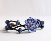 Flower mandala macramè bracelet with cotton beads blue violet