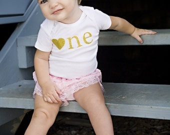 Pink and Gold Birthday Outfit..Pink and Gold First Birthday..Bodysuit Lace Shorts and Headband Set...Baby Girl 1st Birthday Outfit..Bodysuit