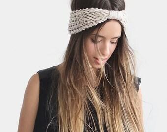READY TO SHIP / Chunky Turban in Light Oatmeal, Womens Headbands, Hand Knit Turban, Wool Headband, Womens Winter Accessory