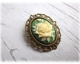 sumptuous green Rose - bronze Cabochon brooch vintage style
