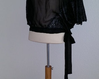 Intriguing lingerie kimono of Madame V.  This week 50% off