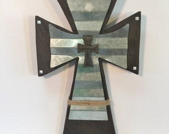 Rustic Wood Cross -- Rustic Style -- Wood Cross -- Tin