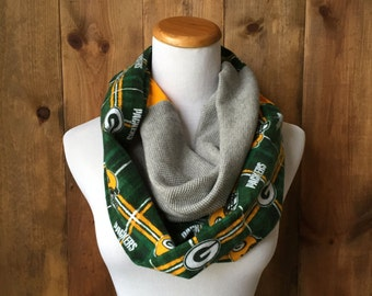 Wisconsin Green Bay Packers Infinity T-Shirt Scarf