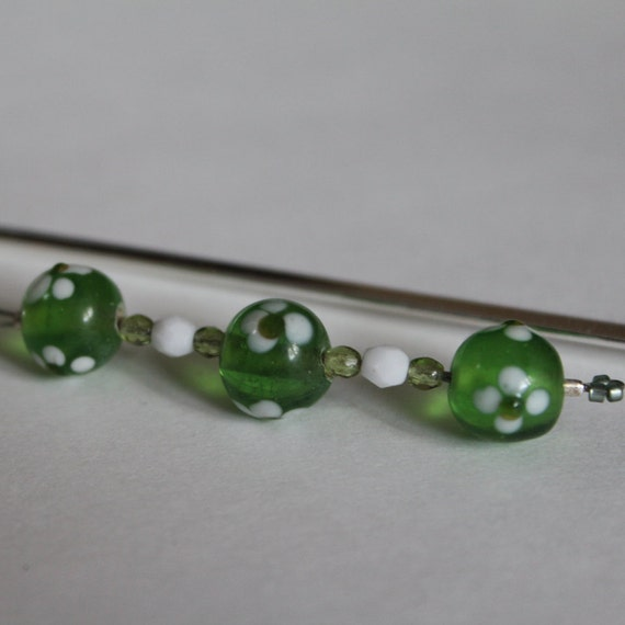Beaded Bookmark, Gift Idea for Her, Book Worm, Book Lover Present, Green Bead Metal Bookmark