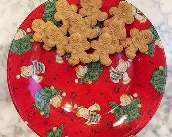 Hand Decorated Glass Christmas Caroling Fabric Decoupage Plate
