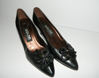 Retro 1970s Ladies Black Dolan Handmade Leather Pumps with Bow CAN size 8-1/2
