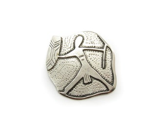 Vintage Tribal Brooch, Silver Tone, Signed Moomba, Pend 123691