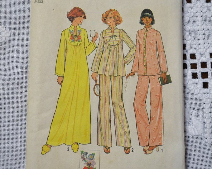 Simplicity Sewing Pattern 7724 Misses Pullover Caftan Nightgown Pajamas Size 10 Fashion Clothing DIY  PanchosPorch