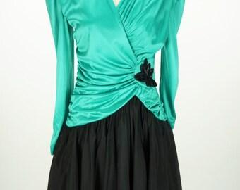 Vintage 1980s Green and Black Diamond's Run Dress Size S
